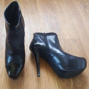 Stuart Weitzman Black Leather Patent Booties 8.5